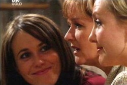 Libby Kennedy, Susan Kennedy, Sindi Watts in Neighbours Episode 4560