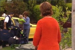 Oscar Scully, Lyn Scully, Susan Kennedy in Neighbours Episode 4562