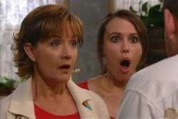 Libby Kennedy, Susan Kennedy, Toadie Rebecchi in Neighbours Episode 4562