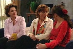 Lyn Scully, Libby Kennedy, Susan Kennedy in Neighbours Episode 4562