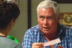 Nina Tucker, Lou Carpenter in Neighbours Episode 4564