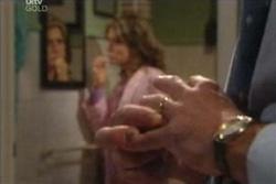 Karl Kennedy, Izzy Hoyland in Neighbours Episode 4565