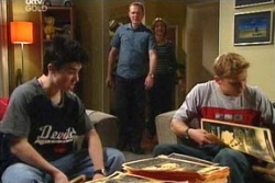 Stingray Timmins, Max Hoyland, Steph Scully, Boyd Hoyland in Neighbours Episode 4568