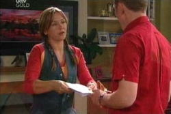 Steph Scully, Max Hoyland in Neighbours Episode 4568