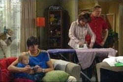 Dino, Oscar Scully, Jack Scully, Lyn Scully, Max Hoyland in Neighbours Episode 4569