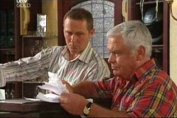 Max Hoyland, Lou Carpenter in Neighbours Episode 4569