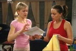 Sindi Watts, Libby Kennedy in Neighbours Episode 4570