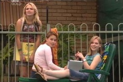 Sky Mangel, Serena Bishop, Lana Crawford in Neighbours Episode 4571