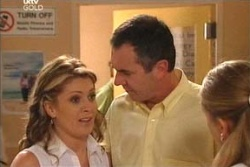 Izzy Hoyland, Karl Kennedy, Dr Beth Carter in Neighbours Episode 4571