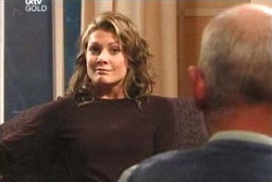 Izzy Hoyland in Neighbours Episode 4572
