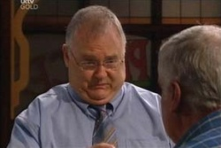 Harold Bishop, Lou Carpenter in Neighbours Episode 4573