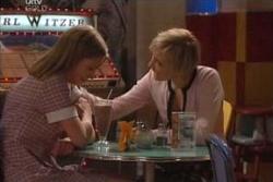 Lana Crawford, Sindi Watts in Neighbours Episode 4574
