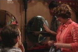 Stuart Parker, Lyn Scully in Neighbours Episode 4574