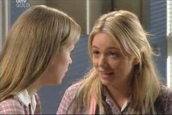 Lana Crawford, Sky Mangel in Neighbours Episode 4577