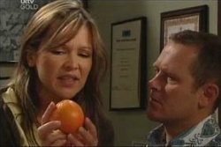 Steph Scully, Max Hoyland in Neighbours Episode 4577