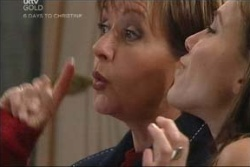 Susan Kennedy, Libby Kennedy in Neighbours Episode 4578