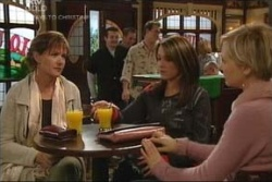 Susan Kennedy, Libby Kennedy, Sindi Watts in Neighbours Episode 4580