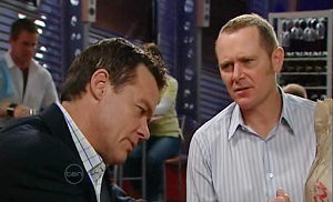 Paul Robinson, Max Hoyland in Neighbours Episode 4803