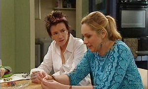 Janelle Timmins, Lyn Scully in Neighbours Episode 4803