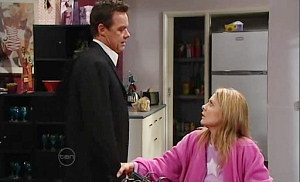 Paul Robinson, Izzy Hoyland in Neighbours Episode 4804