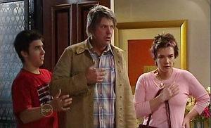 Stingray Timmins, Joe Mangel, Lyn Scully in Neighbours Episode 4816