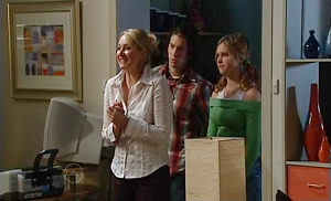 Janelle Timmins, Dylan Timmins, Janae Timmins in Neighbours Episode 4816