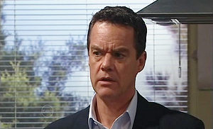Paul Robinson in Neighbours Episode 4816