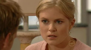 Elle Robinson in Neighbours Episode 5182