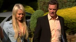 Pepper Steiger, Paul Robinson in Neighbours Episode 5182