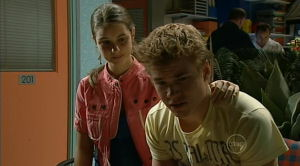Louise Carpenter (Lolly), Ringo Brown in Neighbours Episode 5184