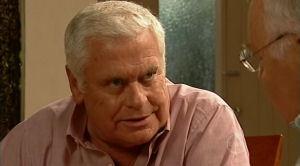 Lou Carpenter, Harold Bishop in Neighbours Episode 5184