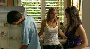 Zeke Kinski, Rachel Kinski, Louise Carpenter (Lolly) in Neighbours Episode 5186