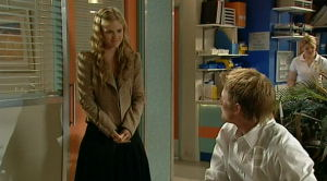 Oliver Barnes, Elle Robinson in Neighbours Episode 5189