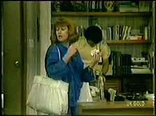 Carol Brown, Paul Robinson in Neighbours Episode 0019