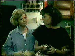 Helen Daniels, Julie Robinson in Neighbours Episode 0019