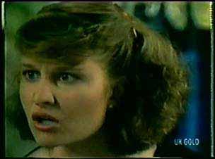 Julie Robinson in Neighbours Episode 0019