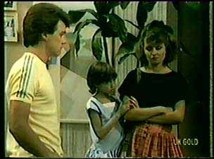 Paul Robinson, Lucy Robinson, Julie Robinson in Neighbours Episode 0019