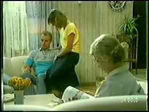 Jim Robinson, Julie Robinson, Helen Daniels in Neighbours Episode 0020