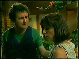 Max Ramsay, Maria Ramsay in Neighbours Episode 0021