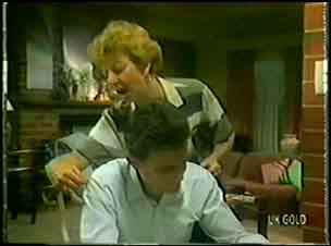 Eileen Clarke, Des Clarke in Neighbours Episode 0022