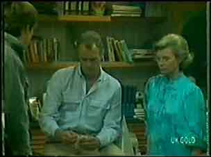 Scott Robinson, Jim Robinson, Helen Daniels in Neighbours Episode 0022