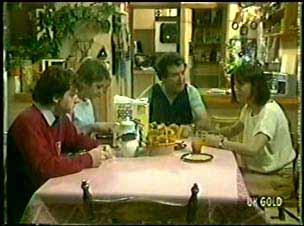 Danny Ramsay, Shane Ramsay, Max Ramsay, Maria Ramsay in Neighbours Episode 0024