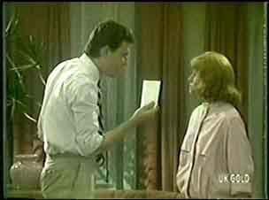 Des Clarke, Carol Brown in Neighbours Episode 0024