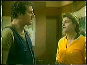 Max Ramsay, Shane Ramsay in Neighbours Episode 0025