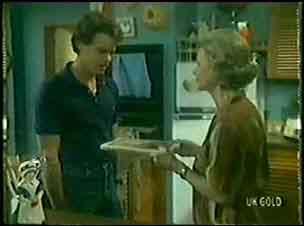 Helen Daniels, Paul Robinson in Neighbours Episode 0025