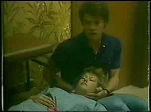 Paul Robinson, Carol Brown in Neighbours Episode 0025