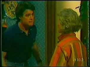 Paul Robinson, Helen Daniels in Neighbours Episode 0026
