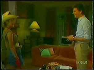 Des Clarke, Daphne Lawrence in Neighbours Episode 0026