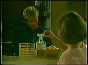 Daphne Lawrence, Julie Robinson in Neighbours Episode 0026