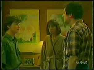 Danny Ramsay, Maria Ramsay, Max Ramsay in Neighbours Episode 0026